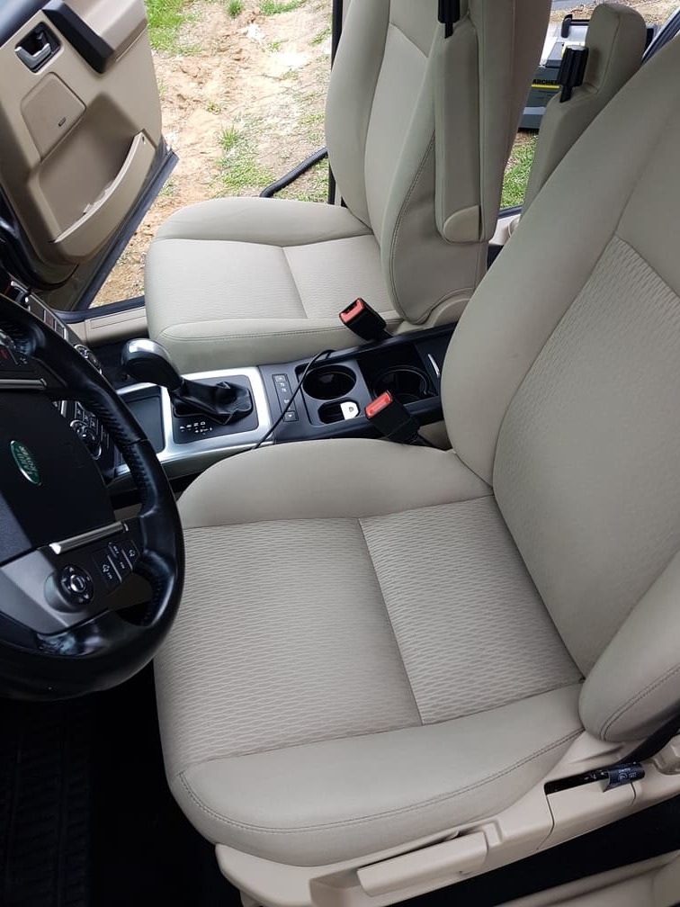 Wyprany fotel kierowcy