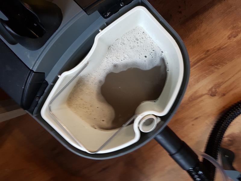 Czyszczenie kanapy - woda - Kościan